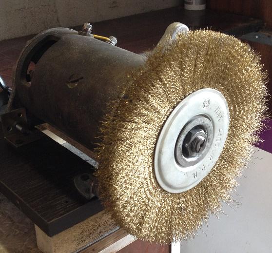 Мотор с дисковой щеткой